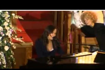 Alicia Keys Feat. Stevie Wonder & R.Kelly Perform At Whitney Houston's Funeral