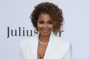 """Janet Jackson Announces """"New Music, New World Tour, A New Movement"""" For 2015"""