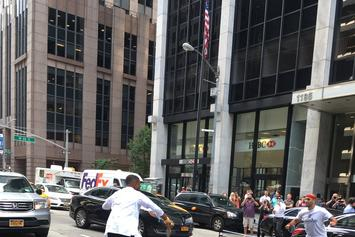 Watch Usher Play Ping Pong In The Middle Of 6th Ave In NYC