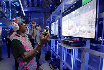 Watch Chris Brown Beat The Crap Out Of Soulja Boy In EA Sports UFC 2