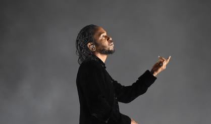 "Kendrick Lamar's ""DAMN."" Is No. 1 For A Second Week"