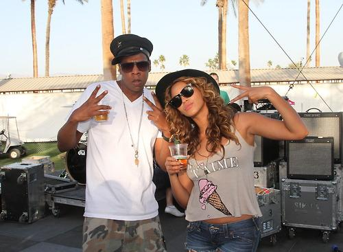 Beyonce and Jay Z strike a pose, again